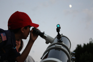 kid-telescope-2